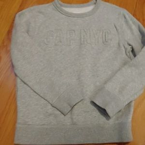 Grey gap sweatshirt 6/7